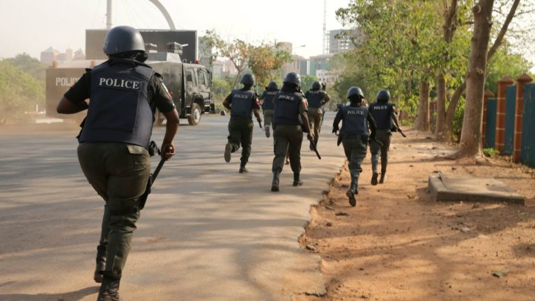Violence at Maryland as Young Man Resists Arrest by Plain-Clothed Policemen