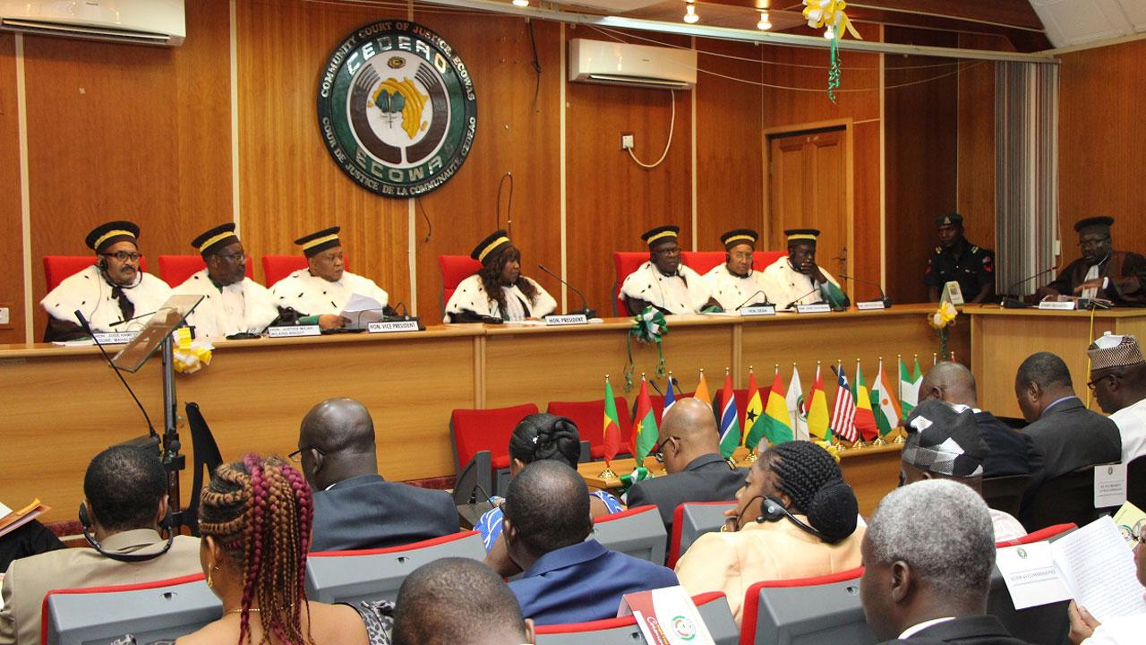 SERAP, 176 Nigerians Sue Nigerian Gov't Over Twitter Suspension