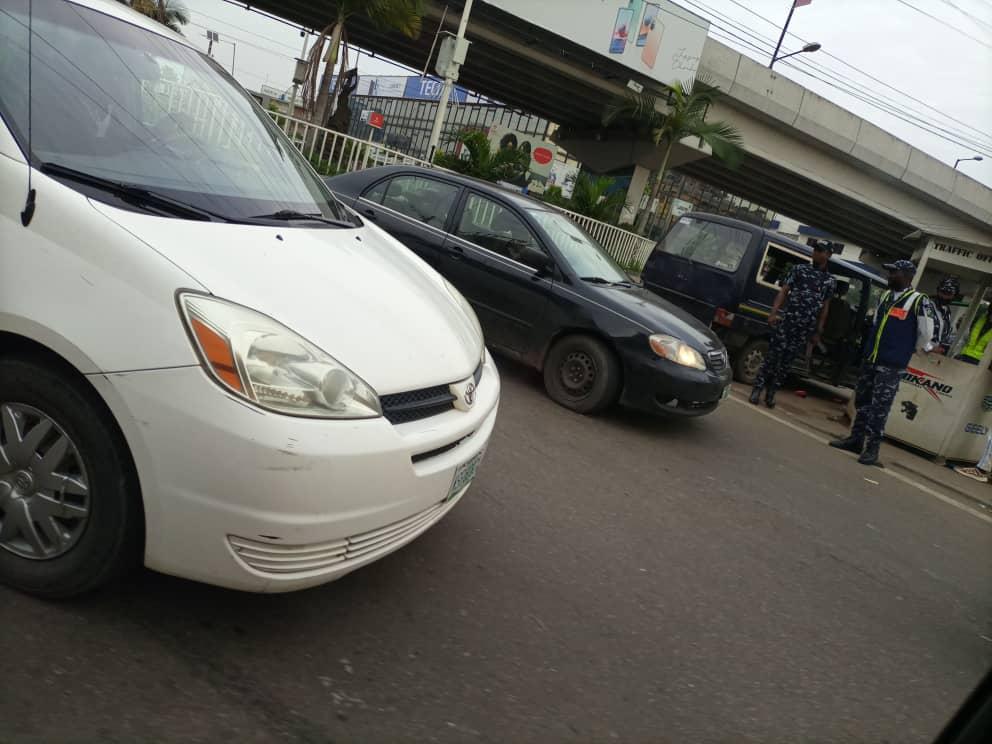 BREAKING: Armed Policemen, Vans Seen at Strategic Locations in Ikeja