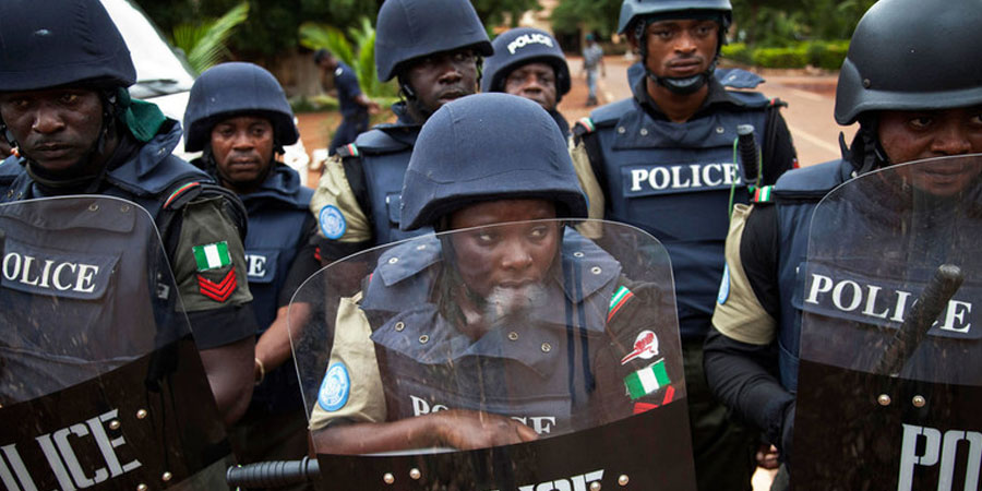 Police Collect N30,000 Bribe After Beating Shop Attendants With Machete in Friday Night Raid